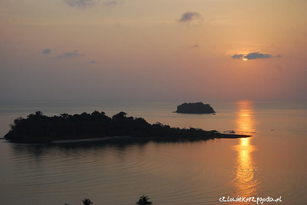 Zachód słońca z innej perspektywy na Wyspie Słonia.