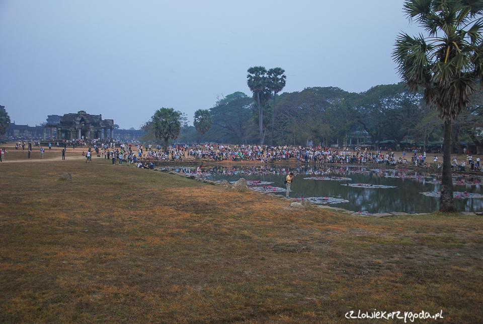 Jeszcze jedno zdjęcie publiczności w Angkor Wat