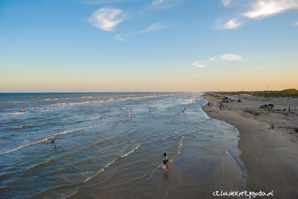 Zachód słońca na Mustang Beach ( zatoka Meksykańska ) odległość od domu 7729.58 km.
