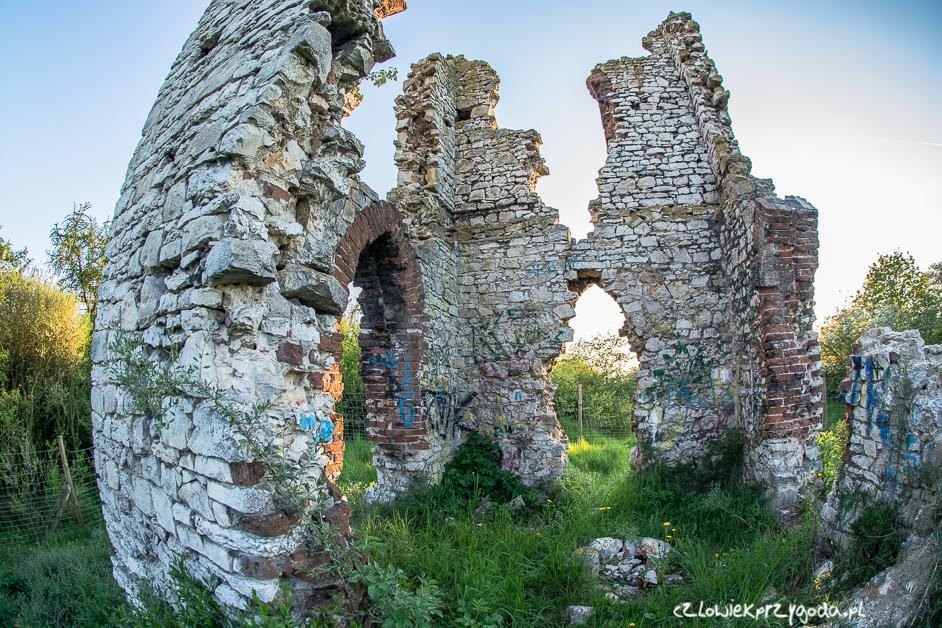 Diabelskie Ruiny