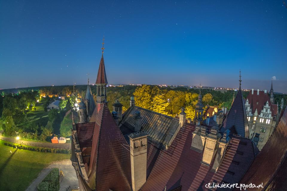 Widok z wieży zamku w Mosznej