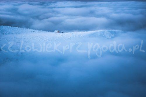 W morzu chmur